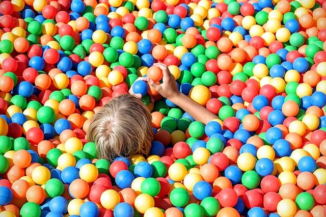 ball-pit-1661374_640