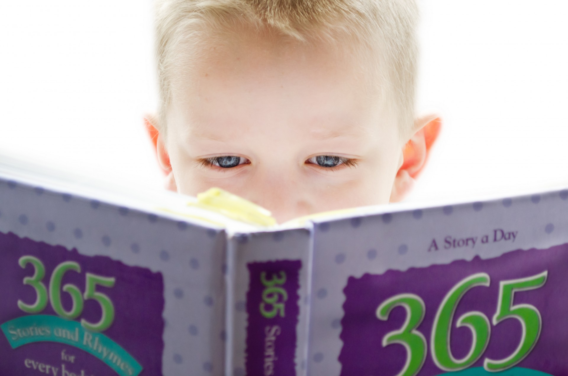 child-and-book