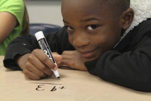 boy in class-1126140_640